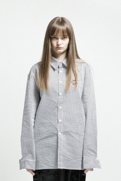 OVERSIZE STRIPE SHIRT (BLACK / WHITE)